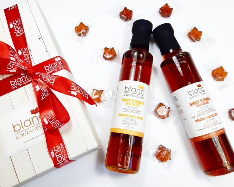 Maple_gift_box_with_hard_maple_candies_and_organic_maple_syrup